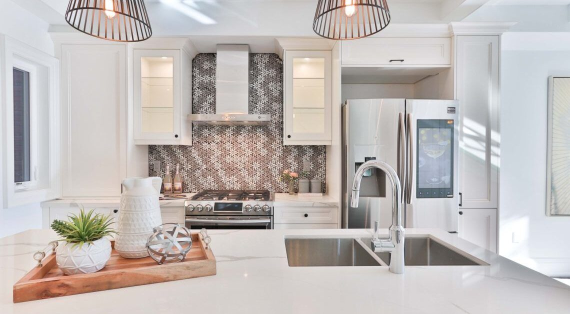 Top 5 Kitchen Cabinet Trends To Incorporate into Your Custom Kitchen Design